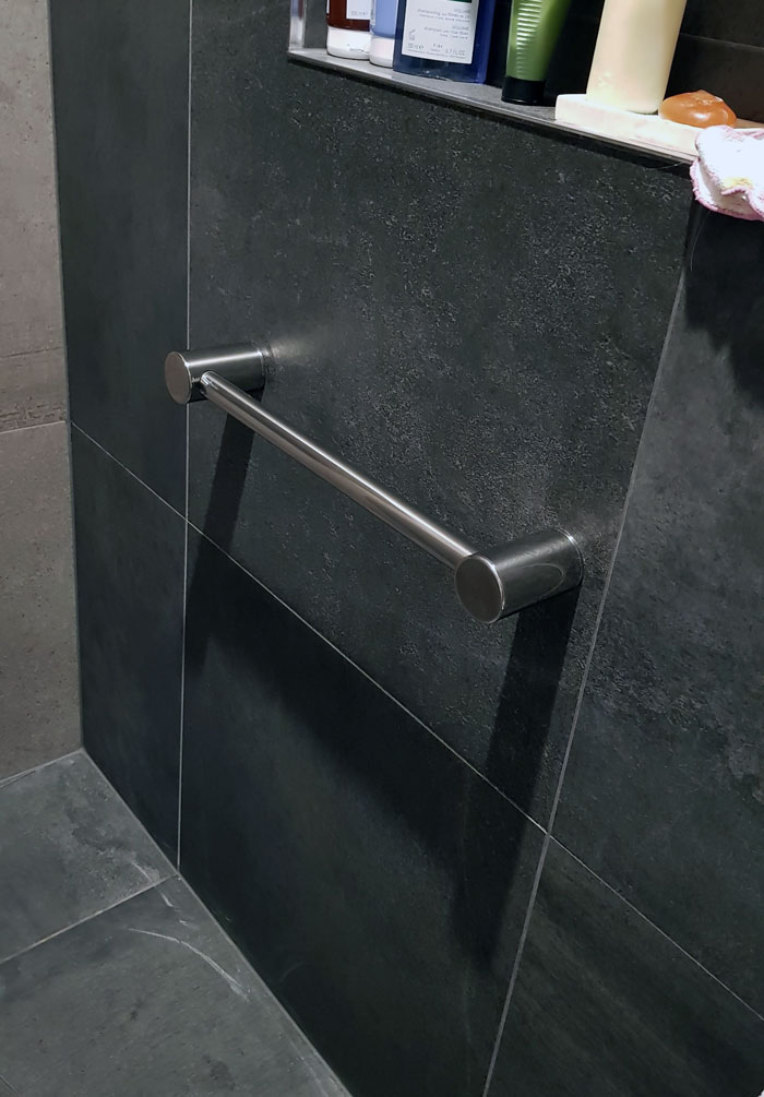 Calibre Ergo Shower Grab Rail Medium