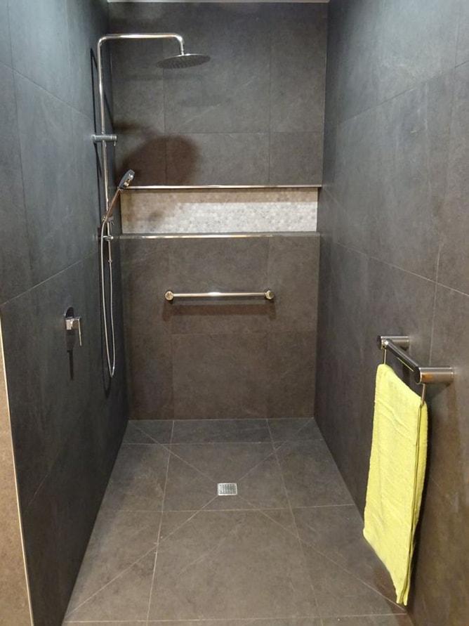 Calibre Mod Shower Towel Rails