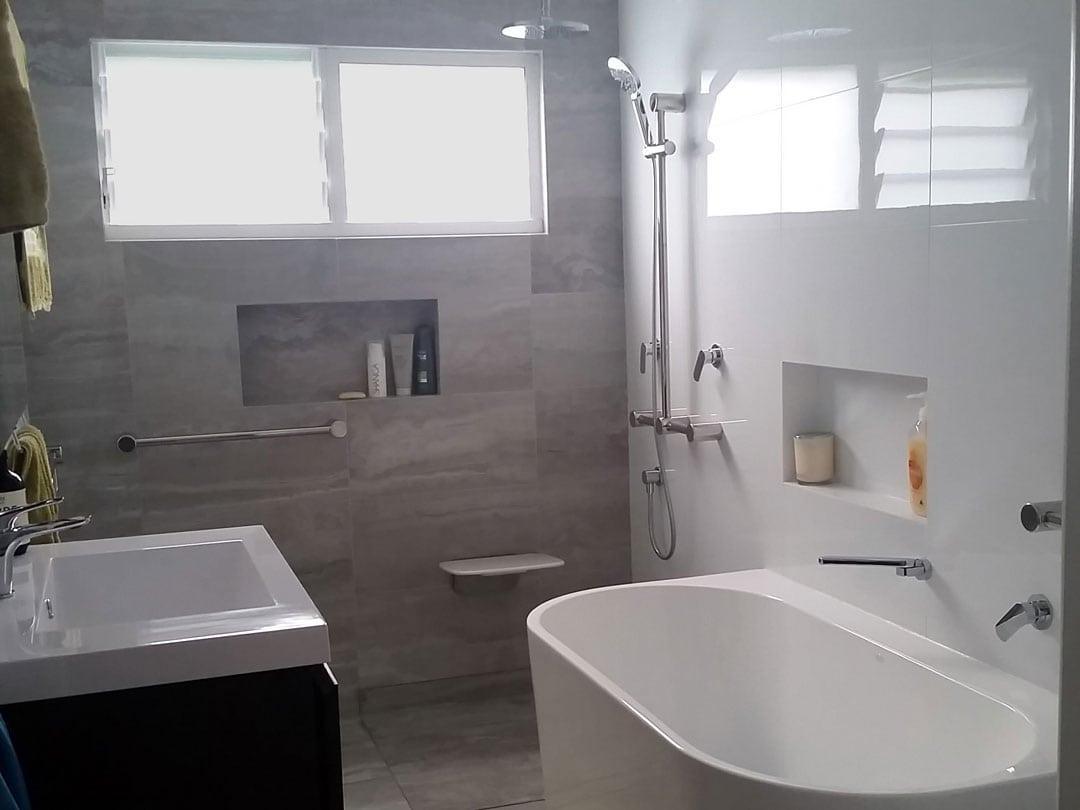 Calibre Grab Rails & Liberty Shower Seat Bathroom Setup